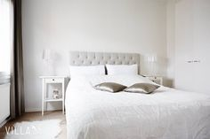 Hyvää huomenta  on muuten aikas kiva makkari meidän #haapalinnanraitti 2 kohteessa  #tampere #haapalinna ➡ Lisää kuvia kodista: www.villalkv.fi/myynnissa-nyt ⬅ #asuntounelmia #unelmaasuntoja #makuuhuone #bedroom (paikassa Haapalinnan Kylä)