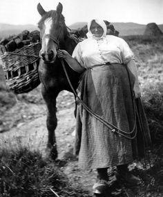 Tour Scotland Photographs: Old Photograph Crofter Isle of Eigg Scotland