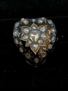 rose cut diamond locket ring Poison Ring, Rose Cut Diamond, Heart Ring, 18th, Finger, Old Things, Diamonds, Gems, Brooch