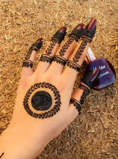 Finger Henna Designs, Back Hand Mehndi Designs, Mehndi Designs Book, Mehndi Designs For Beginners, Mehndi Design Photos, Mehndi Designs For Fingers, Latest Mehndi Designs, Simple Mehndi Designs, Mehndi Designs For Hands