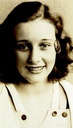 Mary Kay Ash durante su infancia. Para descubrir más sobre la fundadora de nuestra compañía, haz click en esta imagen. #retrato #portrait