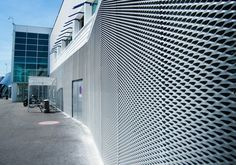 Facade cladding made of expanded metal, wire mesh or spiral mesh - MARIANItech®