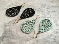 Small Crocheted Teardrop Earrings - Black or Mint Crochet Lace Earrings Pewter by AnatraCo on Etsy Add a classic touch to your summer wardrobe with these crocheted lace earrings in pewter.Completely lovely earrings - just photo Crochet Gifts, Crochet Yarn, Hand Crochet, Crochet Flowers, Crochet Jewelry Patterns, Crochet Earrings Pattern, Crochet Accessories, Lace Earrings, Thread Crochet