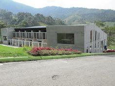 Centro de bienestar animal La Perla (medellín) tresarquitectos