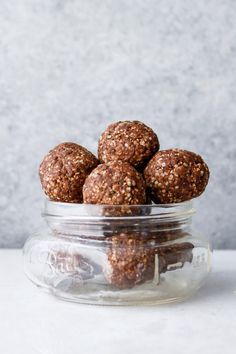 Danette May shares her yummy, naturally sweet, super delicious and definitely healthy No Bake Cacao Bliss balls! Healthy Baking, Healthy Desserts, Easy Desserts, Healthy Eats, Healthy Foods, Healthy Recipes, Whole Food Recipes, Snack Recipes, Dessert Recipes