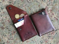 Tauruscamp Base wallets - Cash sized for most bank notes, Cards and Coin purse, Slim, Practical and Excellent Gift! - Base wallet is a handmade minimalist wallet. Almost 5 cards, cash and coins fit inside. Couture Cuir, Leather Wallet Pattern, Slim Wallet, Slim Leather Wallet, Handmade Leather Wallet, Minimalist Wallet, Leather Projects, Leather Working, Card Wallet