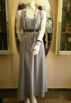 φόρεμα 100% cotton 75,00 κολιέ 5,00, ζώνη jean 5,00.