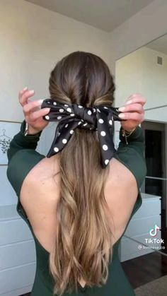 Hairdo For Long Hair, Easy Hairstyles For Long Hair, Scarf Hairstyles, Girl Hairstyles, Braided Hairstyles, Elegant Hairstyles, Medium Hair Styles, Curly Hair Styles, Hair Scarf Styles