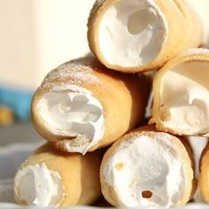 Schaumrollen - Puff pastry rolls filled with soft vanilla meringue? As good as it gets.