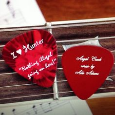 I <3 Hunter Guitar Picks!
