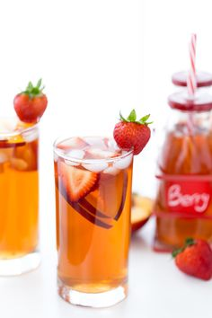 This homemade Strawberry Peach Iced Tea recipe is refreshing, sweet and bursting with fresh peaches and strawberry flavor