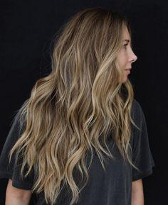 Balyage Long Hair, Balayage Hair, Brown Hair With Blonde Highlights, Hair Highlights, Dyed Hair Purple, Hair Shades, Light Hair, Long Hair Cuts, Brunette Hair