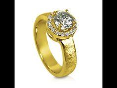 עיצוב מיוחד לטבעת סוליטר עם יהלומים קטנים בצד-10093