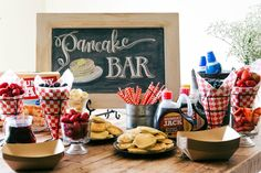 A great idea for a party, baby shower, wedding shower, birthday, etc. An easy Pancake and Sparkling Juice Bar with plenty of inspiration photos! Pancakes And Pajamas, Pancakes Easy, Breakfast Pancakes, Breakfast Bar Food, Breakfast Ideas, Breakfast Recipes, Christmas Pancakes, Christmas Brunch, Xmas