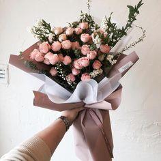 이미지: 꽃 Floral Wreath, Wreaths, Flowers, Instagram, Decor, Decorating, Flower Crowns, Door Wreaths, Floral