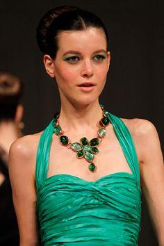 Oscar de la Renta green necklace