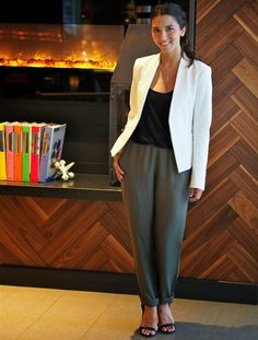 The Hunter Style || Meeting Apparel || White Blazer