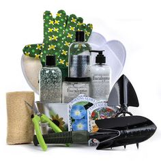 Witching Relaxation in Bloom Spa Basket - Gourmet Gift Baskets For All Occasions Mothers Day Baskets, Mother's Day Gift Baskets, Gourmet Gift Baskets, Gourmet Gifts, Spa Prices, Spa Basket, Pure Oils, Spa Gifts, Bath Salts