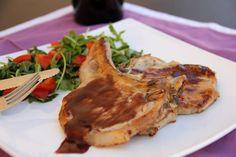 BISTECCA DI MAIALE ALLA SALSA DI VINO ROSSO http://acquolinainblog.com/recipe-items/bistecca-maiale-salsa-vino-rosso/
