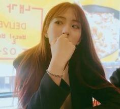 eunseo♡ Yuehua Entertainment, Starship Entertainment, South Korean Girls, Korean Girl Groups, Cosmic Girls, Cute Korean, Extended Play, The Girl Who, Mamamoo