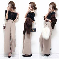 Pin on ファッション Fashion Pants, Fashion Outfits, Womens Fashion, Fashion Clothes, Casual Outfits, Cute Outfits, Korean Fashion Trends, Office Looks, Korean Outfits
