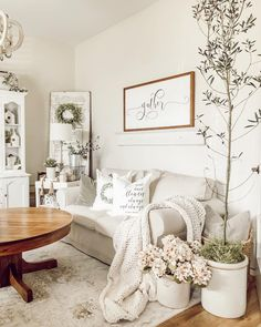 In order to give your current living room a totally one-of-a-kind look, uniquely designed wall pieces could be the … Home Living Room, Living Room Designs, Living Room Decor, Farm Bedroom, Minimalist Decor, Farmhouse Decor, Farmhouse Style, Cottage Style, Modern Farmhouse