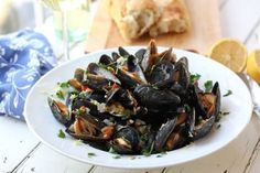 Restaurant Style Mussels with Garlic Wine Sauce makes me think of an evening with good friends in Barcelona