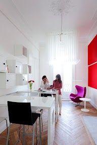 MIO Café, Sophie Petit (architecte d'intérieur) & Séverine Duprat (General Manager agence double-id).  MIO accueille des business people pour des séjours court-terme.  www.mio-offices.com