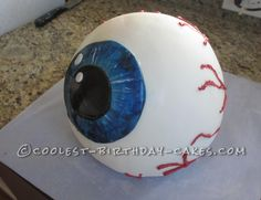 Coolest Eyeball Cake... This website is the Pinterest of birthday cake ideas