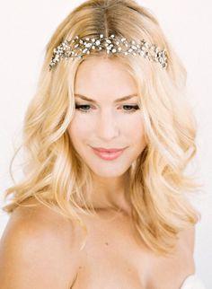 idée coiffure mariage headband couronne perlée 5