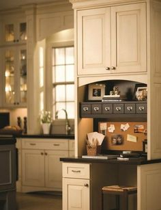 The Secrets to a Successful Kitchen Remodeling - Decoholic I love this work space for in the kitchen.
