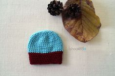 Learn how to make your very own crochet beanie with this free pattern and video tutorial from B. It uses two very unique stitches! Crochet Baby Hats, Crochet Beanie, Crochet Hooks, Free Crochet, Knitted Hats, Knit Crochet, Baby Patterns, Crochet Patterns, Headband Pattern
