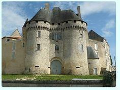 Château de Barbezieux-sur-Hilaire ~ Charente ~ France