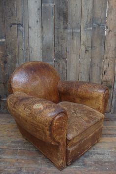 Leather Club Chair (from Fave British Show Salvage Hunters) #thingsmatter