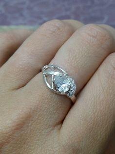 Eheringe - Tropfen Ring, Swarovski Ring,Verlobungsring,  - ein Designerstück von CandyMasha bei DaWanda