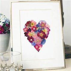 Pressed flower frame heart shape DIY | DIYs | Pinterest