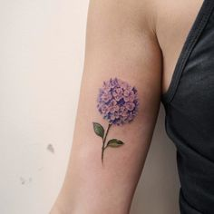 40 Most Adorable Small Flower Tattoos for Women - Millions Grace Small Tattoo Designs, Flower Tattoo Designs, Tattoo Designs For Women, Small Flower Tattoos For Women, Small Tattoos, Elegant Tattoos, Pretty Tattoos, Awesome Tattoos, Bee Tattoo