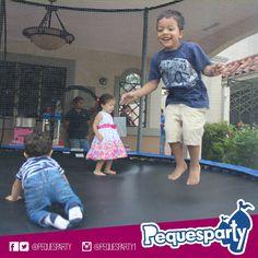 #brinca sin parar con nuestro #trampolin dedicado a proporcionarles un día muy divertido a tus #peques PequesParty Fábrica de Sonrisas! #jump #fiesta #diversion #mcbo #vzla #kids #niños #fun #inflables #brincabrinca #pintacaritas #popcorn #saltar #brincar #yeah #cool #marketing #musica #animacion