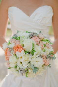 Bouquet | Wedding on SMP: http://www.stylemepretty.com/california-weddings/2013/11/20/clos-lachance-wedding-by-alicia-k-designs-and-yvonne-wong-photography | Yvonne Wong Photography