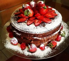 Lindo naked cake do FB da Dirlande Barros. Bolos Naked Cake, Naked Cakes, Bolo Nacked, Cake Cookies, Cupcake Cakes, Delicious Desserts, Yummy Food, Cake Fillings, Cake Tutorial