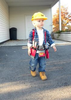 Construction worker make costume himself Costume idea for carnival, Halloween & carnival Halloween Meninas, Halloween Bebes, Toddler Boy Halloween Costumes, Kids Costumes Boys, Halloween Carnival, Boy Costumes, Carnival Costumes, Costume Ideas, Construction Worker Halloween Costume