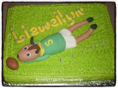 35CM SPRINGBOK CAKE For more information & orders, Email:  sweetartbfn@gmail.com or call 0712127786 (Fondant classes available in the Bloemfontein region - For more information email sweetartclasses@gmail.com) Rugby Cake, Sweetarts, Cupcake Toppers, Fondant, Icing, Cake Decorating, Cupcakes, Sport, Desserts