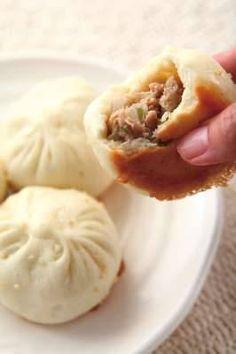 Pan fried steamed pork buns 水煎包的超詳細做法,簡單美味,比夜市排長隊買的還要好吃!