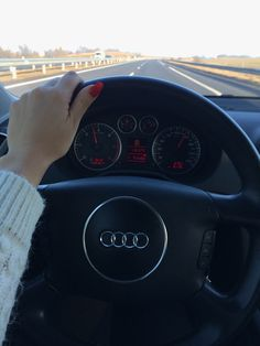 Audi♥️ within the automotive au. Audi ♥ ️ # wir sind in der automobilen automotive Als Auto-Bus-Mitarbeiter teilen wir Maserati, Bmw Girl, Sports Car Wallpaper, Girls Driving, Foto Casual, Mazda, Car Goals, Audi Cars, Benz