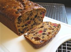 Yorkshire Tea Bread From: Apple And Spice, please visit Yorkshire Recipes, Yorkshire Food, Tea Party Desserts, No Bake Desserts, Scottish Recipes, Scottish Desserts, British Recipes, Best Dessert Recipes, Yummy Recipes