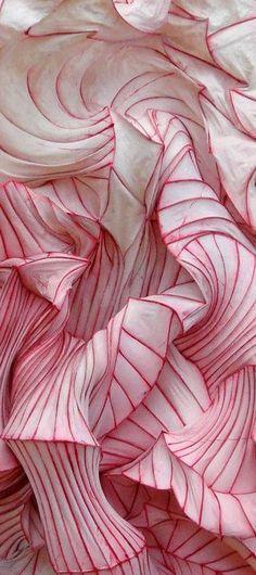 Paper sculpture texture- organic lines - textile design and surface pattern inspiration Design Textile, Textile Art, Orquideas Cymbidium, Textile Texture, Paint Texture, Texture Design, Oeuvre D'art, Textures Patterns, Sculpture Art