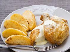 Hähnchenkeule mit Apfelweinsauce ist ein Rezept mit frischen Zutaten aus der Kategorie Hähnchen. Probieren Sie dieses und weitere Rezepte von EAT SMARTER!