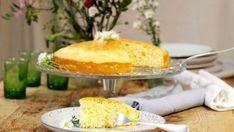 Jednoduchý bezlepkový dort s jogurtem - Schär Sandwiches, Recipes With Few Ingredients, Gluten Free Cakes, Cornbread, Vanilla Cake, Biscuits, Easy Meals, Cheese, Vegan