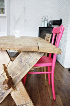 wood + pink = beautiful combo