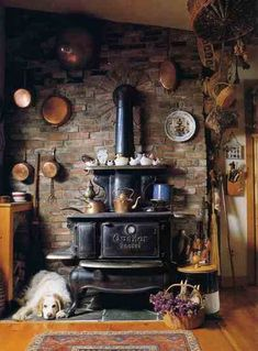 Lost Antique Wood Stove Art - Homesteads and Cattle - . Lost Antique Wood Stove Art – homesteads and animal husbandry – # Antique Wood Stove Cooking, Kitchen Stove, Cozy Kitchen, Rustic Kitchen, Country Kitchen, Vintage Kitchen, Ranch Kitchen, Cooking Bacon, Country Life